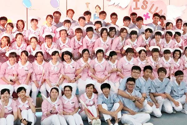 Sinh viên ngành điều dưỡng tại Đại học I Shou